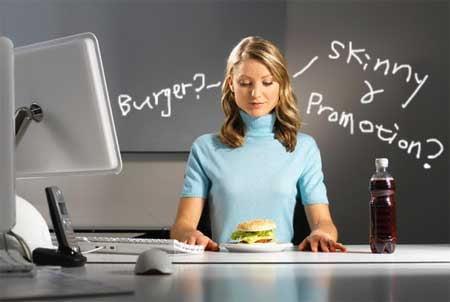 Dieta sănătoasă se poate menține la birou